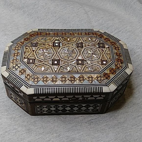 vintage wooden inlaid jewelry box